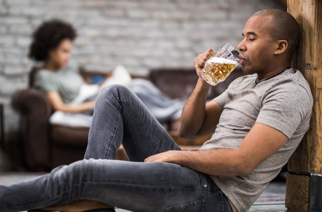 5 WAYS TO DEAL WITH AN ALCOHOLIC AT HOME