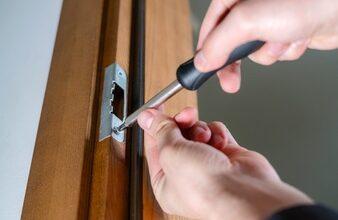 Photo of How to fix a sagging door?