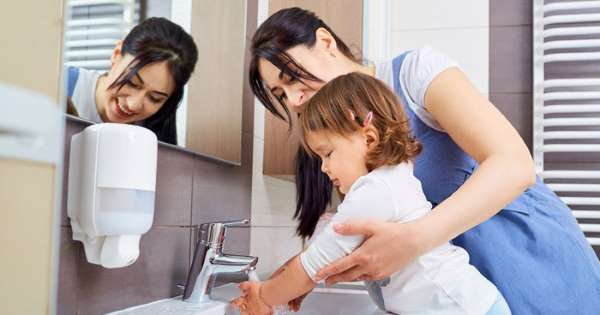 5 Hygiene Habits to Adopt While Raising a Baby